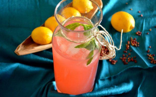https://yemek.com/tarif/sumakli-limonata   Sumaklı Limonata Tarifi