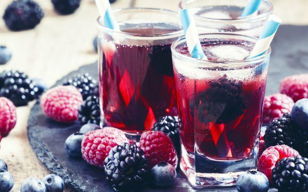 https://yemek.com/tarif/kirmizi-meyveli-soguk-cay/   Kırmızı Meyveli Soğuk Çay Tarifi