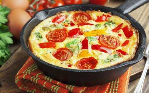 https://yemek.com/tarif/firinda-tulum-peynirli-omlet/#.WEp7efmLTIW   Fırında Tulum Peynirli Omlet Tarifi