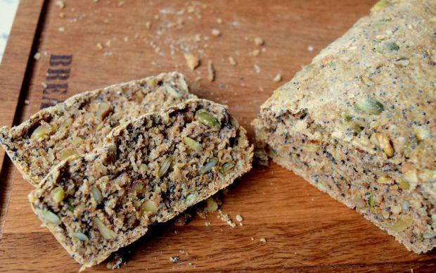 https://yemek.com/tarif/kuruyemisli-ekmek   Kuruyemişli Ekmek Tarifi