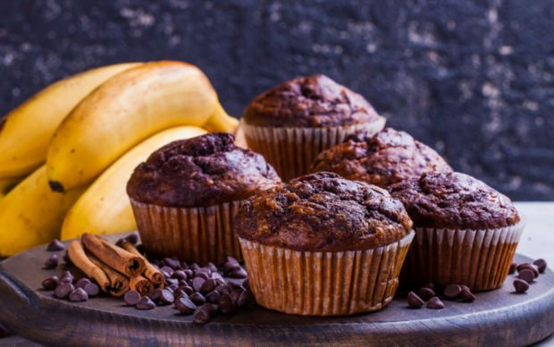 https://yemek.com/tarif/sekersiz-yagsiz-kakaolu-muffin | Şekersiz Yağsız Kakaolu Muffin Tarifi