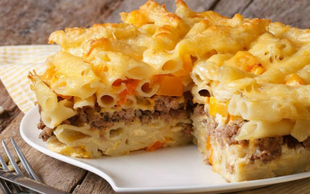 https://yemek.com/tarif/kat-kat-makarna-pasta/ | Kat Kat Makarna Pasta Tarifi