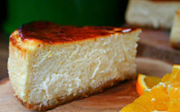 https://yemek.com/tarif/new-york-usulu-cheesecake/   New York Usulü Cheesecake Tarifi