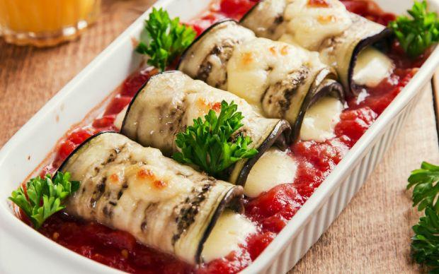 https://yemek.com/tarif/domates-soslu-izgara-patlican/   Domates Soslu Izgara Patlıcan Tarifi