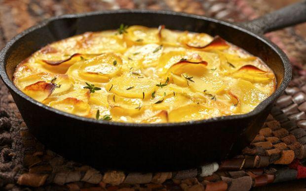 https://yemek.com/tarif/dokum-tavada-patates-graten/ | Döküm Tavada Patates Graten Tarifi