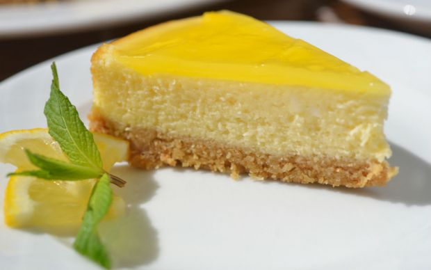 https://yemek.com/tarif/limonlu-cheesecake/ | Limonlu Cheesecake Tarifi