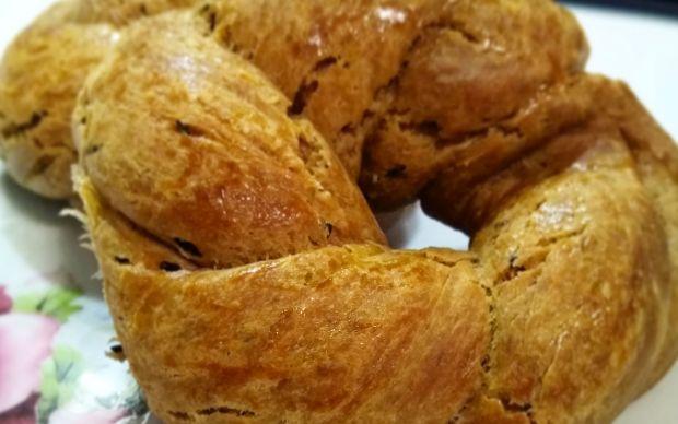 https://yemek.com/tarif/rezeneli-bayram-coregi/ | Rezeneli Bayram Çöreği Tarifi