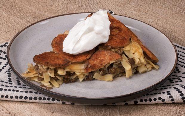 https://yemek.com/tarif/patatesli-eriste-pilavi/ | Patatesli Erişte Pilavı Tarifi