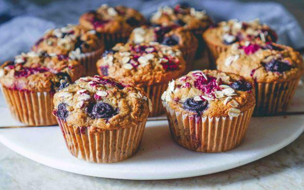 https://yemek.com/tarif/cilekli-diyet-kek/   Çilekli Diyet Kek Tarifi