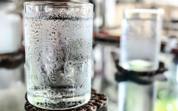 http://www.onewater.my/news/water-diet-3-ways-water-can-help-you-lose-weight-benefits.html   onewater