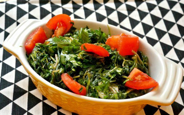https://yemek.com/tarif/zahter-salatasi/ | Zahter Salatası Tarifi