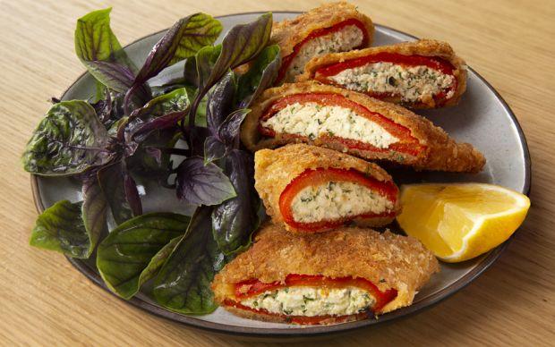 https://yemek.com/tarif/peynirli-biber-boregi/   Peynirli Biber Böreği Tarifi