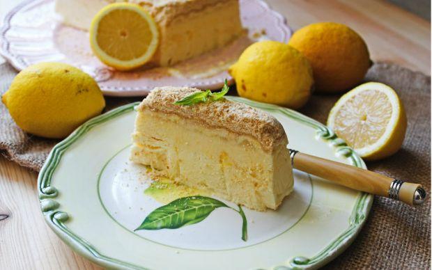 https://yemek.com/tarif/biskuvili-limonlu-parfe/   Bisküvili Limonlu Parfe Tarifi