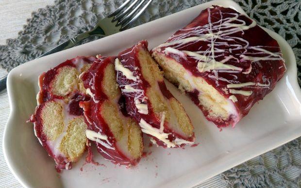 https://yemek.com/tarif/kedi-dilli-kirmizi-pasta/ | Kedi Dilli Kırmızı Pasta Tarifi