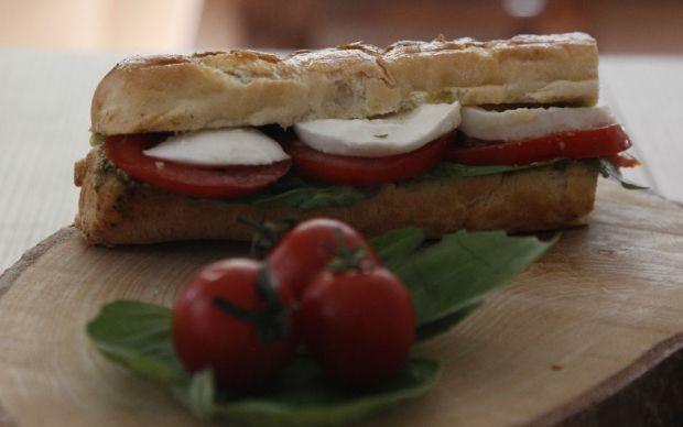 mozzarella-sandvic-tarifi