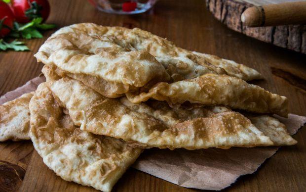 https://yemek.com/tarif/firinda-cig-borek/  | Fırında Çiğ Börek Tarifi