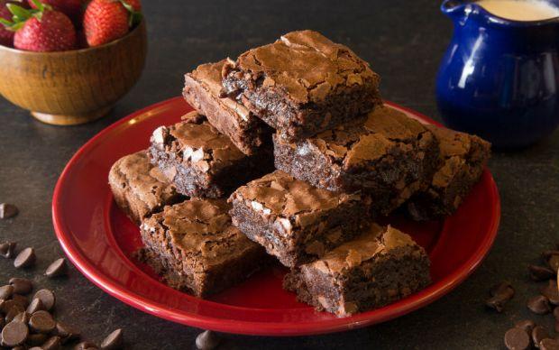 https://yemek.com/tarif/gercek-browni/ | Gerçek Brownie Tarifi