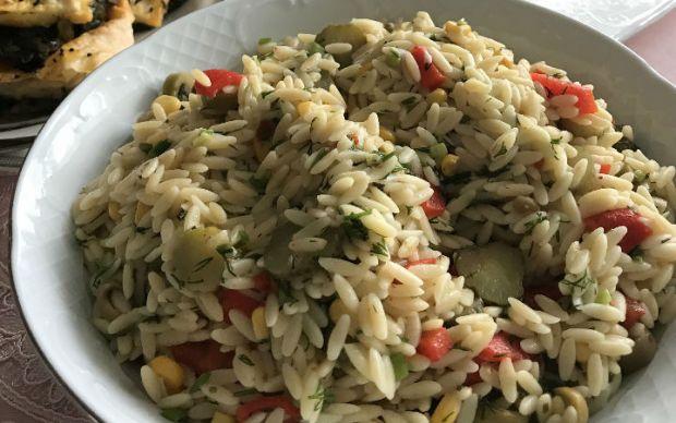 arpa-sehriye-salatasi-tarifi