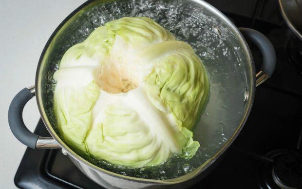 https://www.thespruceeats.com/polish-stuffed-cabbage-recipe-golabki-1136771  thespruceeats.com