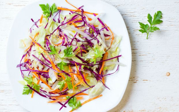 https://yemek.com/tarif/mevsim-salatasi/ | Mevsim Salatası Tarifi