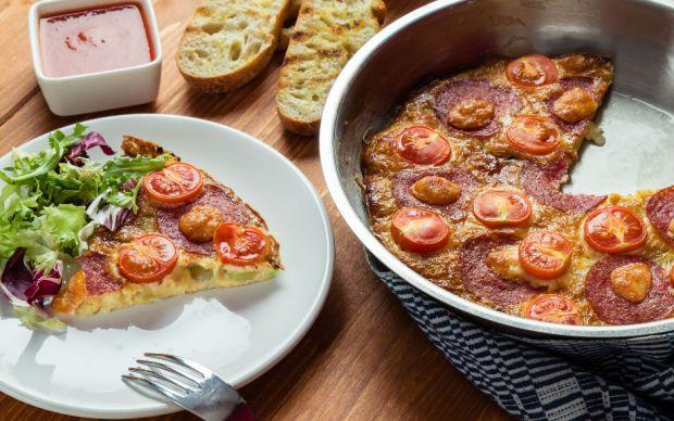 https://yemek.com/tarif/kahvaltilik-yumurtali-patates-pizzasi/ | Kahvaltılık Yumurtalı Patates Pizzası Tarifi