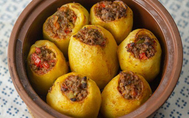 https://yemek.com/tarif/kiymali-patates-dolmasi/   Kıymalı Patates Dolması Tarifi
