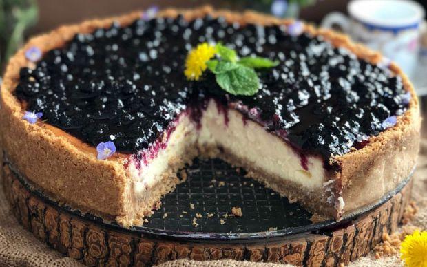 https://yemek.com/tarif/yaban-mersinli-cheesecake-2/ | Yaban Mersinli Cheesecake Tarifi