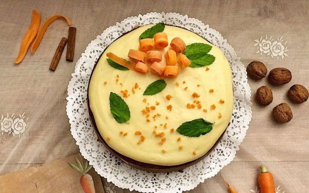 https://yemek.com/tarif/kremali-havuclu-tarcinli-kek/ | Kremalı Havuçlu Tarçınlı Kek Tarifi
