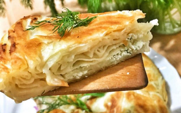 https://yemek.com/tarif/tava-boregi-2/ | Tava Böreği Tarifi