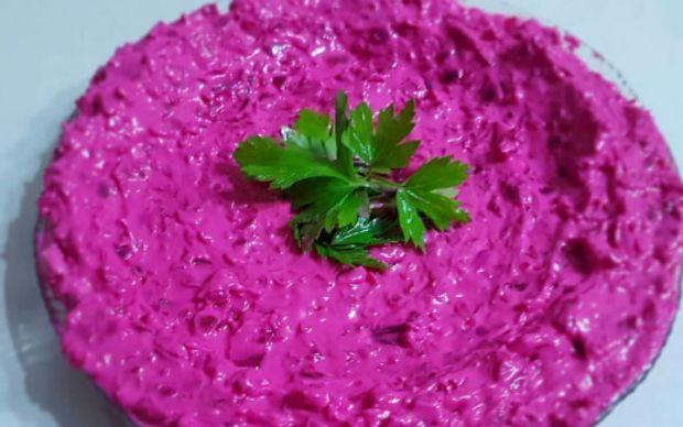 https://yemek.com/tarif/kirmizi-pancar-salatasi/ | Kırmızı Pancar Salatası Tarifi