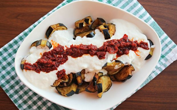 https://yemek.com/tarif/patlican-yogurtlama/ | Patlıcan Yoğurtlama Tarifi