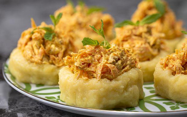 patates-canaginda-havuc-salatasi-yemekcom