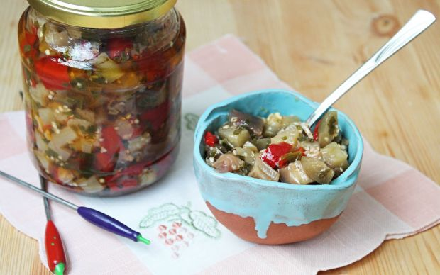 https://yemek.com/tarif/kislik-sirkeli-patlican/   Kışlık Sirkeli Patlıcan Tarifi