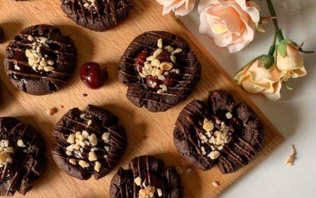 cikolatali-visneli-kurabiye-tarifi