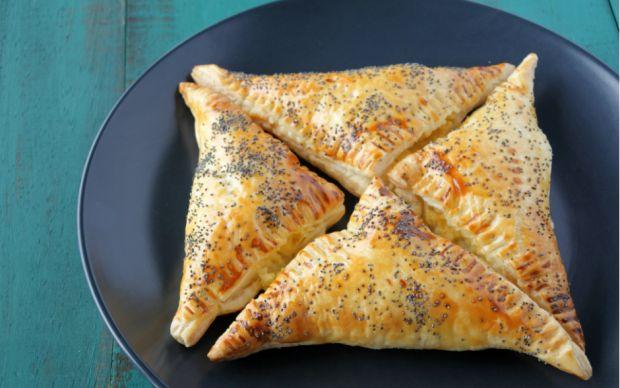 https://yemek.com/tarif/kiymali-muska-boregi/ | Kıymalı Muska Böreği Tarifi