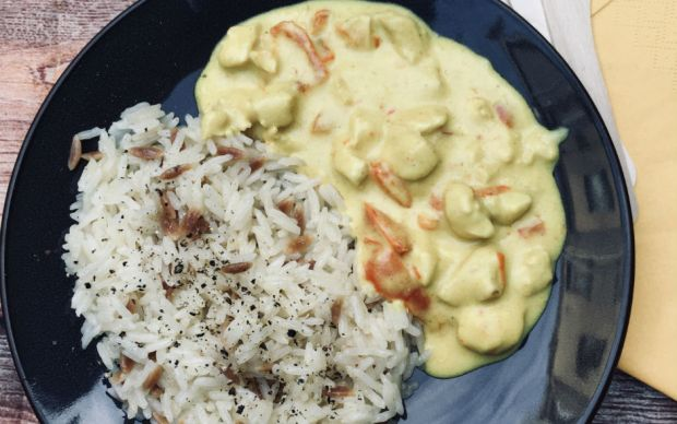 tavuklu-kori-sosu