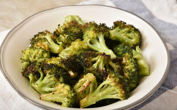 https://yemek.com/tarif/haslamadan-firinda-brokoli/ | Haşlamadan Fırında Brokoli Tarifi