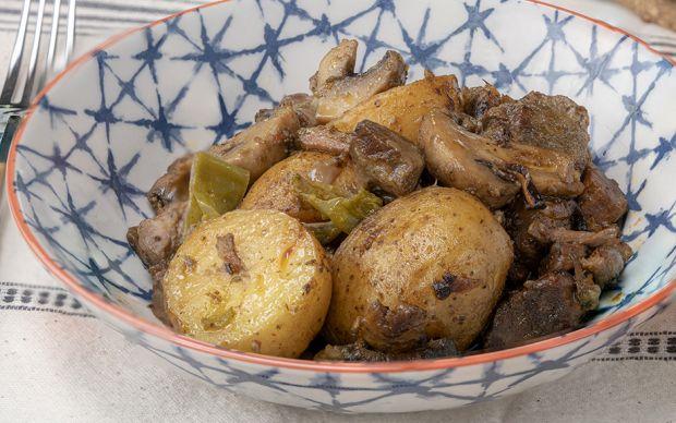 mantarli-et-guvec-yemekcom