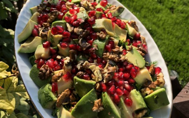 narli-avokado-salatasi-tarifi