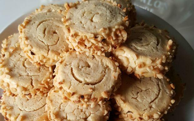 tahinli-rulo-kurabiye-tarifi