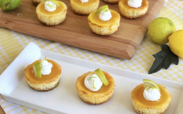 https://yemek.com/tarif/limonlu-minik-cheesecake/ | Limonlu Minik Cheesecake Tarifi