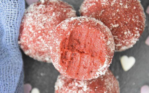 red-velvet-mascarpone-toplari