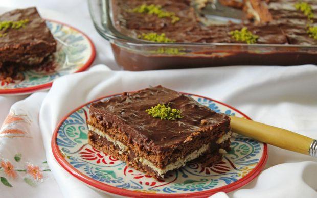 https://yemek.com/tarif/biskuvili-pasta/ | Bisküvili Pasta Tarifi