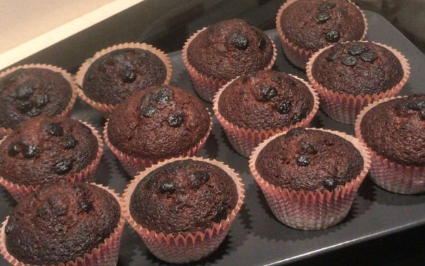 https://yemek.com/tarif/damla-cikolatali-muffin-3/   Damla Çikolatalı Muffin Tarifi