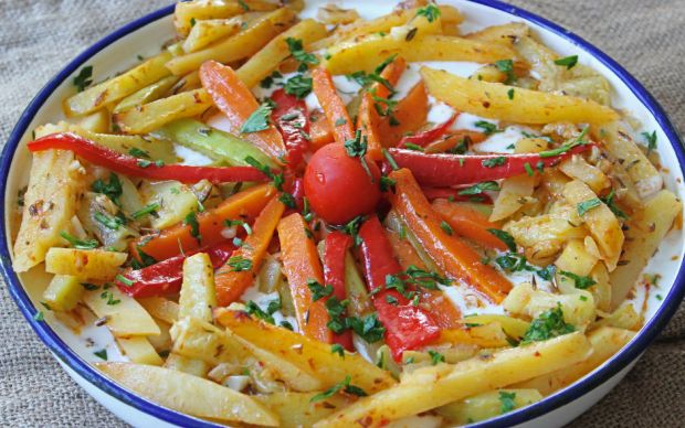 https://yemek.com/tarif/firinda-sebze-kebabi/   Fırında Sebze Kebabı Tarifi