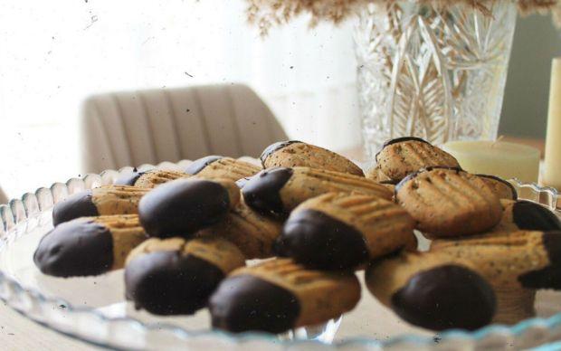 hashasli-susamli-kurabiye-melek