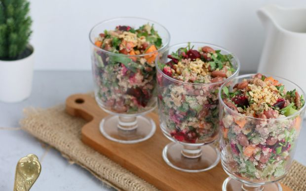 kirmizi-fasulyeli-tonbalikli-salata-onecikan