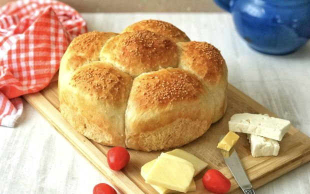 https://yemek.com/tarif/pratik-cicek-ekmek/ | Pratik Çiçek Ekmek Tarifi