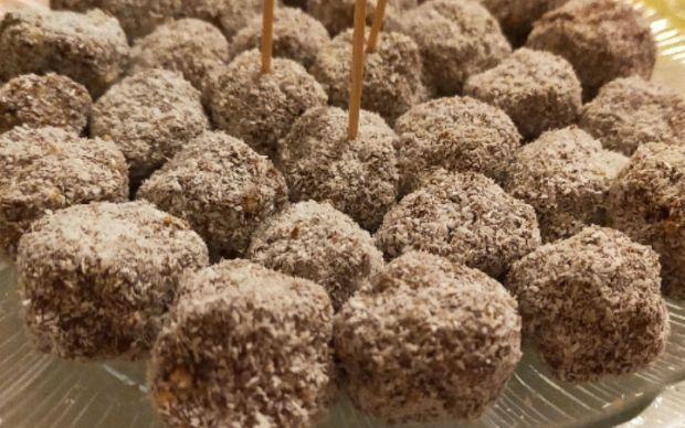 hindistan-cevizli-cikolata- toplari