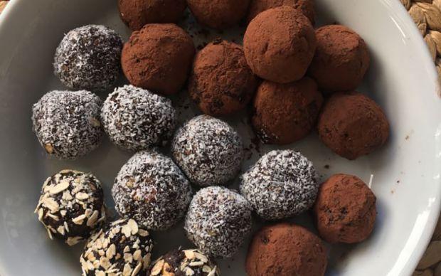 bayatlamis-kekten-cikolatali-toplar-tarifi